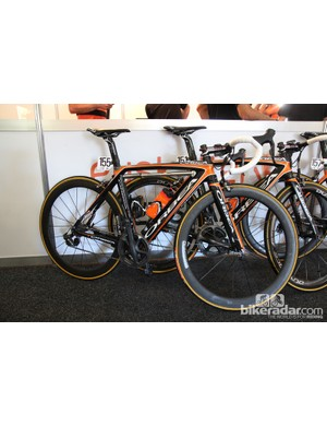 Euskaltel-Euskadi's familiar Orbea Orca Gold, fitted with the usual array of Shimano and FSA gear