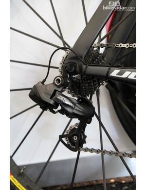 Garmin-Cervélo is like other teams that don't yet have sufficient stock of 11-speed Shimano Dura-Ace Di2 to justify switching over. However, an apparent shortage of 10-speed Dura-Ace parts has the team using Ultegra Di2 for the time being