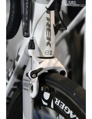 Most of the RadioShack Leopard team is using Shimano's direct-mount Dura-Ace brakes but George Bennett gets Bontrager calipers