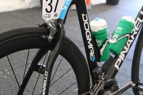 There's simply no mistaking the swoopy rear end of a Pinarello Dogma 2