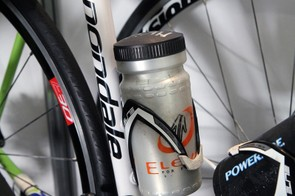 This Cannondale rider uses a fully enclosed container specifically made for the task