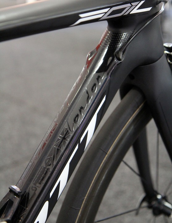 Matt Goss' Scott Foil gets a stealthy two-tone black paint job, with graphics to commemorate his recent appearance at the 2012 Olympic Games in London