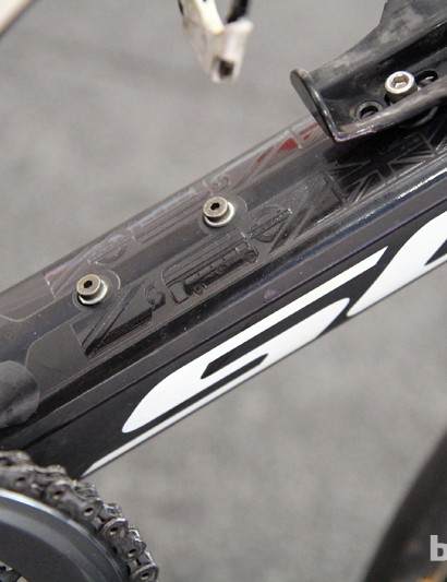 A variety of London-themed icons decorate the down tube on Matt Goss' Scott Foil