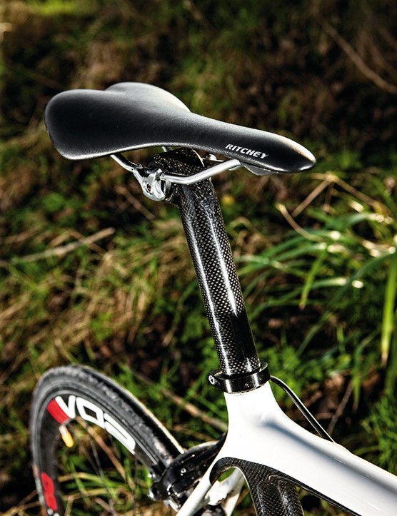 It's a carbon seatpost too, again from VO2