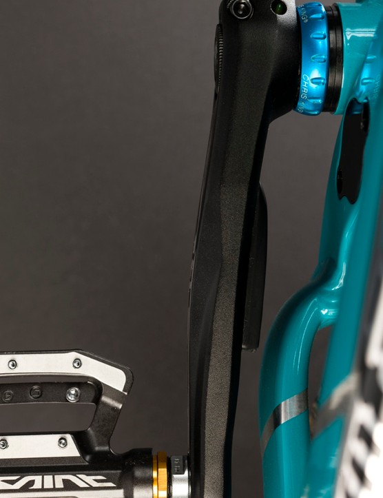 Stages has a meter for Shimano's Saint downhill group