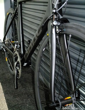 The Element frameset features a tapered carbon fork