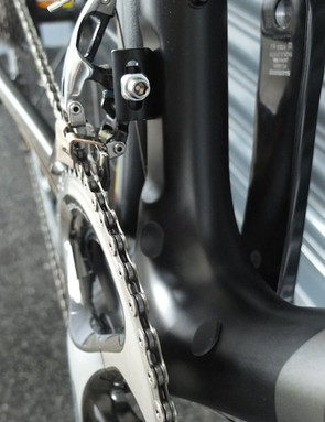 Routing for mechanical and electronic shifting