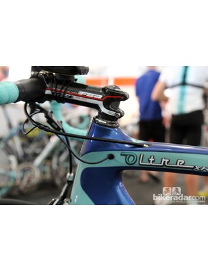Team Bianchi Oltre XR frames use dedicated electronic-only routing
