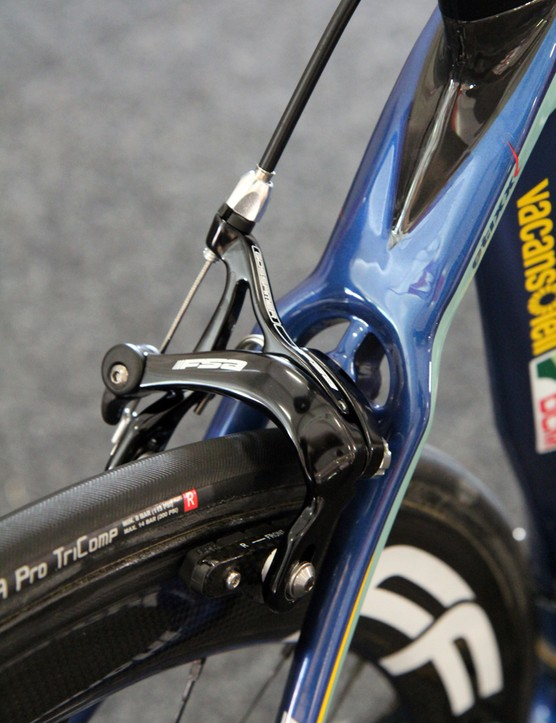 Interestingly, Vacansoleil-DCM team bikes are built with mid-range FSA Gossamer brake calipers