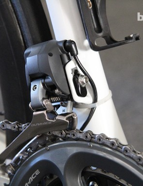 A small zip-tie keeps the Shimano Dura-Ace Di2 wire neatly tucked away