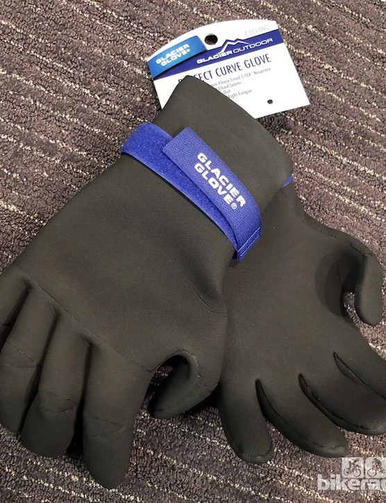 The Perfect Curve Glove is pre-shaped out of comfy neoprene