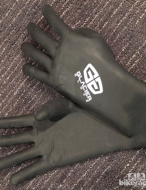 The Super G Waterproof Glove is like a close fitting, cosy marigold that's insulated for the coldest wet days
