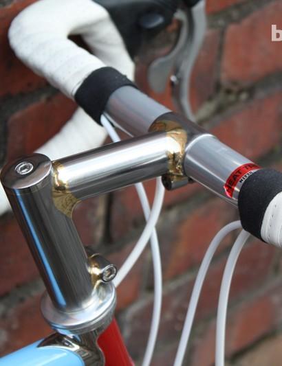 Swallow custom built an ahead stem for this bike