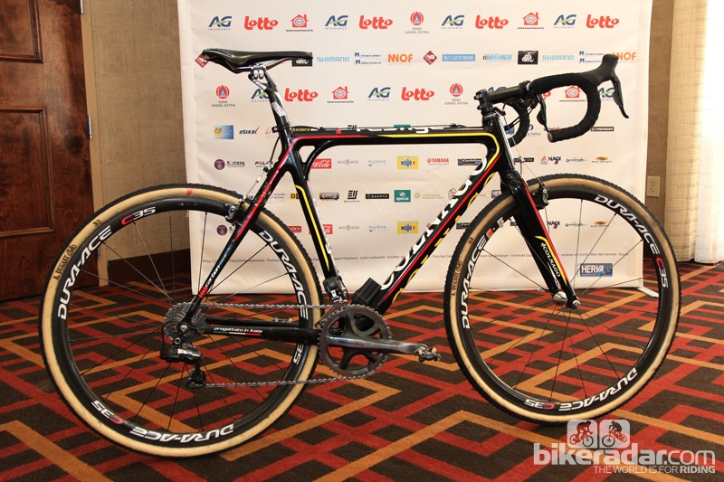 Belgian cyclocross superstar Sven Nys (Crelen-Euphony) is vying for his second elite world championship title aboard this Colnago Prestige