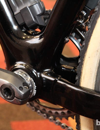 There's no shelf behind the threaded bottom bracket but Eva Bandman Park's thick mud and grass seems to collect on anything and everything. The Shimano Dura-Ace Di2 front derailleur means the seat tube mounted pulley hole goes unused
