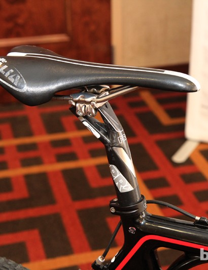 A Selle Italia SLR Team Edition saddle is mounted to a PRO Vibe carbon fiber seatpost