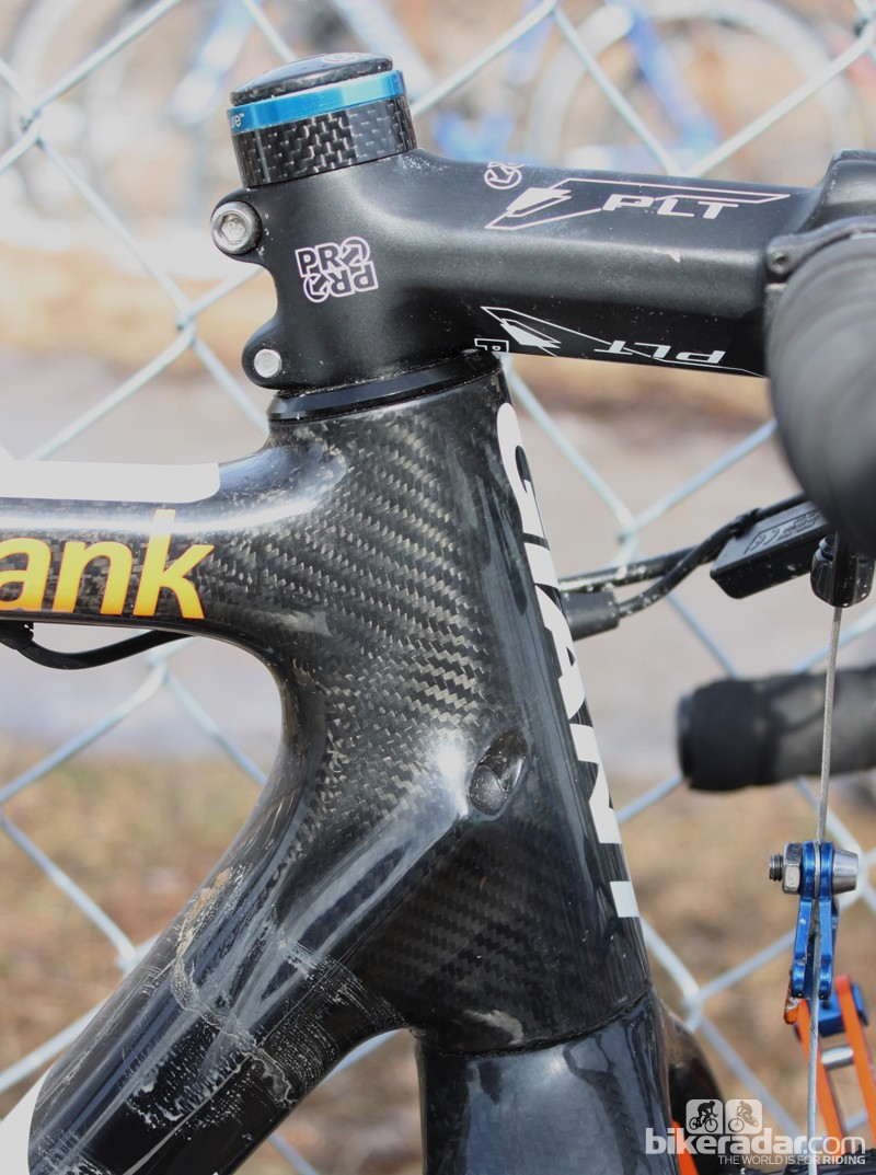 No spacers here: Vos' stem is slammed and flipped to the -6° postion