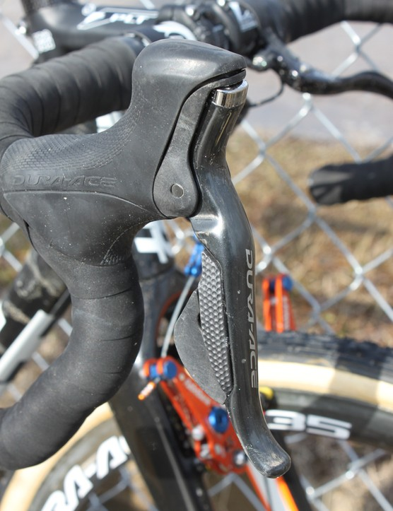 Dura-Ace Di2 levers mounted to Shimano's PRO handlebar and stem