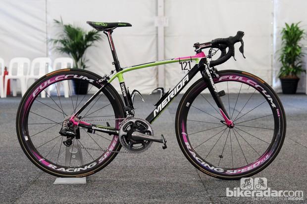 Lampre-Merida climber Matthew Lloyd used this bright neon Merida Scultura SL machine at this year's Santos Tour Down Under