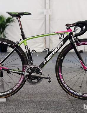 Lampre-Merida climber Matthew Lloyd used this bright neon Merida Scultura SL machine at this year's Santos Tour Down Under