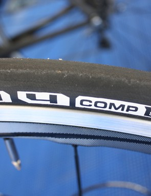 The Comp features a 150tpi nylon casing for a supple ride