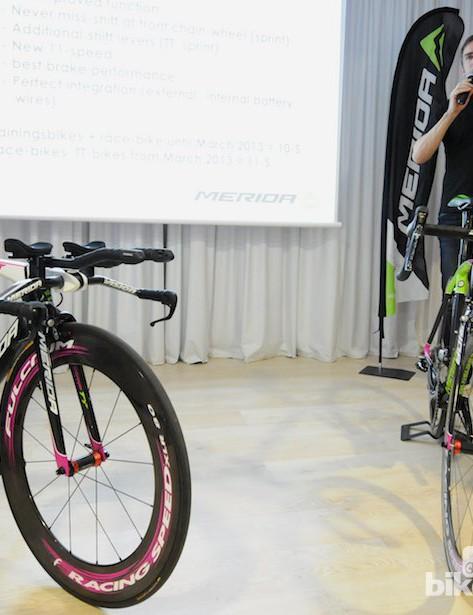 Jurgen Falke, chief designer at Merida, leads the presentation about the new road bikes