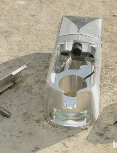 View from the rear of the stem, showing the internal port allowing cables to exit into the frame
