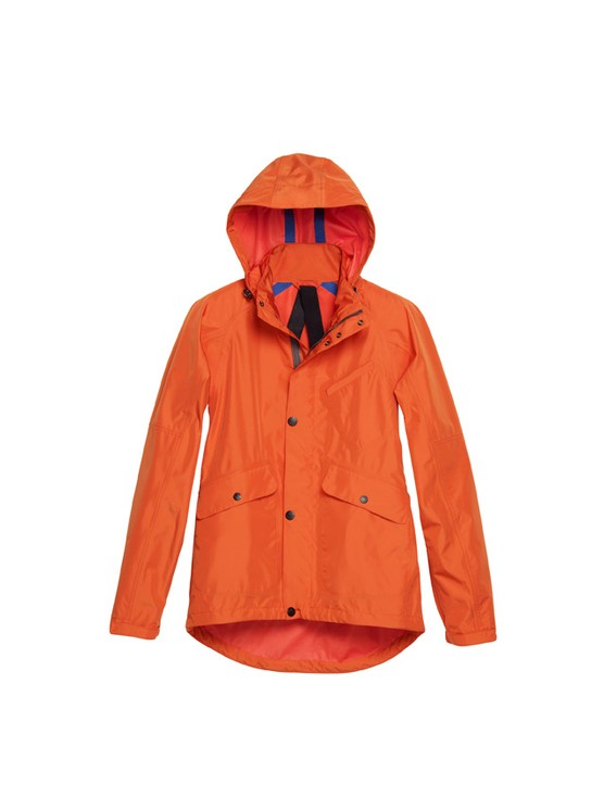 Taped seams are a feature of the shell jacke