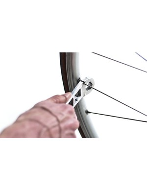 The Spoke key of the Nutter in use