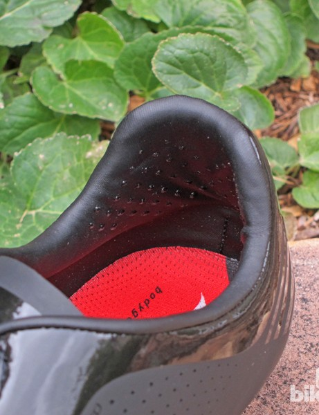 Tiny rubber dots inside the heel cup provide extra hold