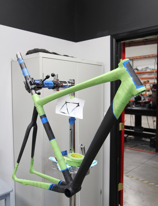 Alchemy Bicycles will be showing off this new carbon bike at this year's NAHBS event in Denver, Colorado