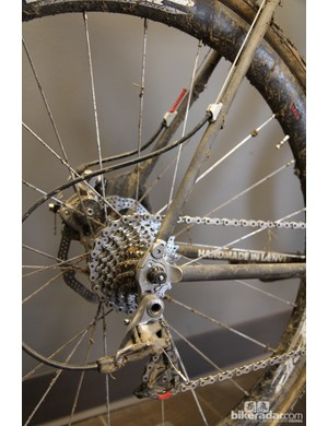 The high housing stop placement on the driveside seat stay came as a recommendation from SRAM to help with drivetrain performance in mud