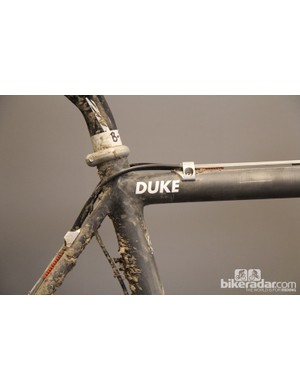 According to Matt Simpson, Nicole Duke asked for an unusually stiff front triangle matched to a very soft rear triangle. This supposedly gives Duke the handling precision she wanted but with a flexier rear end that could better track uneven terrain