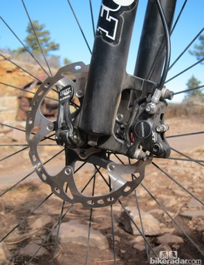 The 180mm front rotor provides generous stopping power combined with Shimano's outstanding Deore XT hydraulic disc brakes, although we would have liked to see the finned pads used here as well