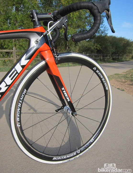 The Bontrager Aeolus 3 carbon clinchers are light, reasonably rigid, and wide
