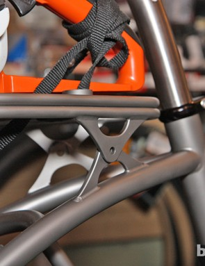 Moots repurposed pivot plates from its MX Divide model for the rear rack