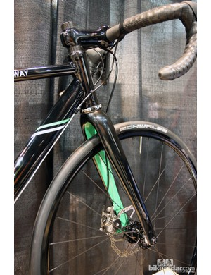 The front end is built with an Enve Composites disc 'cross fork
