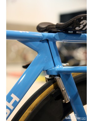 Tiny angular contact bearings are used for the headset. An internal steering lock prevents damage from the front end swinging around in a crash
