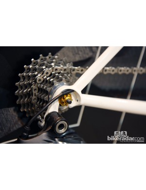 A hooded dropouts is used on the driveside to accommodate the rear derailleur wire…