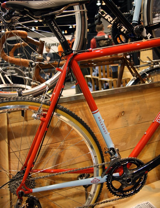 Continuous housing from top tube to rear derailleur on the Breadwinner Holeshot should help maintain shifting performance in muddy conditions