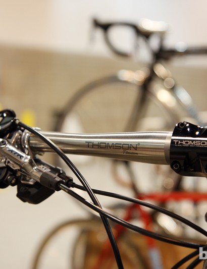Breadwinner outfitted its JB Racer 29er hardtail with Thomson's new titanium flat bar