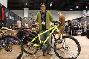 Builder Jeremy Sycip with his personal 650b hardtail