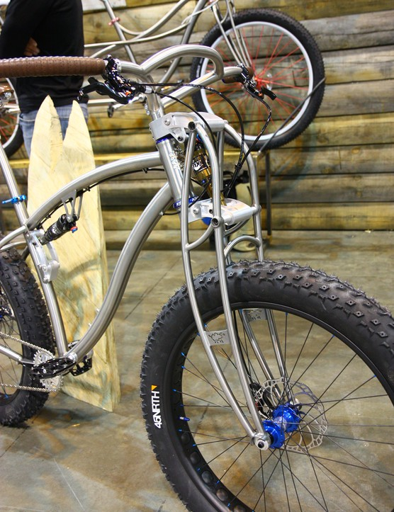 Black Sheep's usual truss titanium fork is augmented with aluminum linkages and a Fox shock that provides 90mm of travel