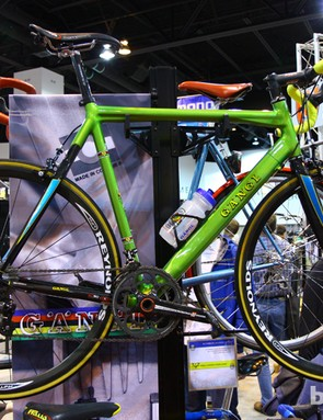Rich Gängl incorporated a hydroformed top tube and Easton seat stays into this aluminum climbing bike