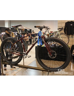 This cruiser-inspired 29er certainly has the baloon tires to back up the look