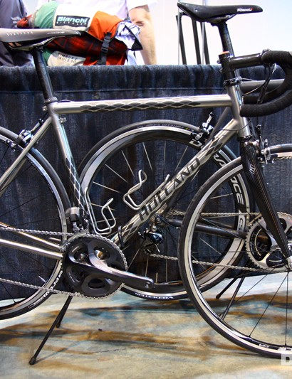 Bill Holland says this ExoGrid Jet travel bike weighs about 7.7kg (17lb) with Shimano Dura-Ace clincher wheels and Ultegra Di2 components