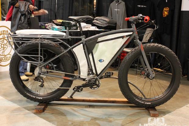Hunter built this fat bike for Scott Felter of Porcelain Rocket frame bags, who will ride it across Austraila