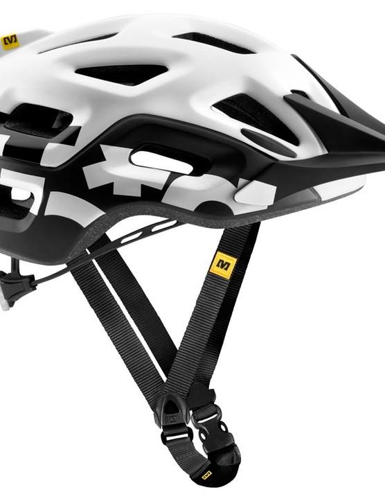 The Notch lid uses a lighter version of Mavic's road helmet retention system