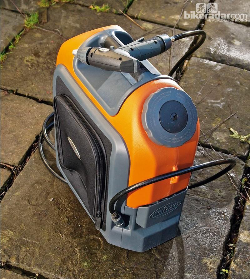 Nomad 18V Li-ion cordless pressure washer