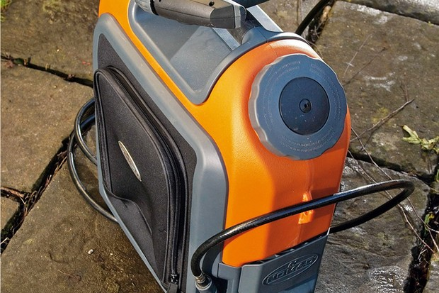 Nomad 18V Li-ion cordless pressure washer